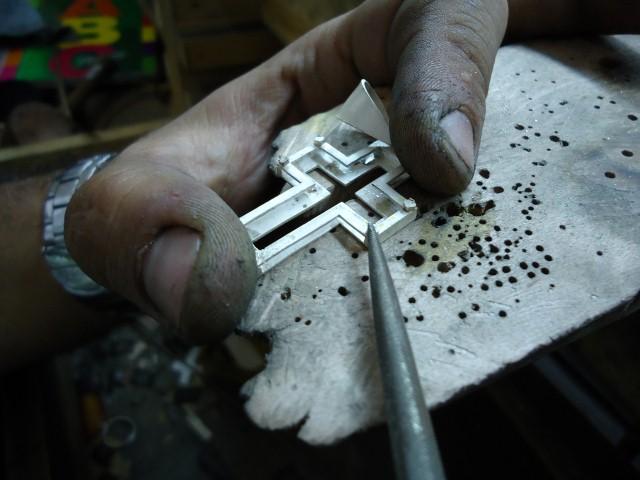 Como se hace una cruz de plata trabajo propio taringa - Como se pule la plata ...